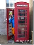 Oliver beim nach Hause telefonieren